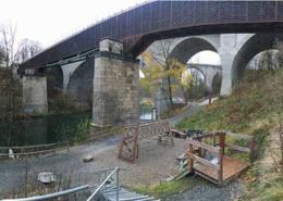 Alte Eisenbahnbrücken in Kempten mit Spielplatz