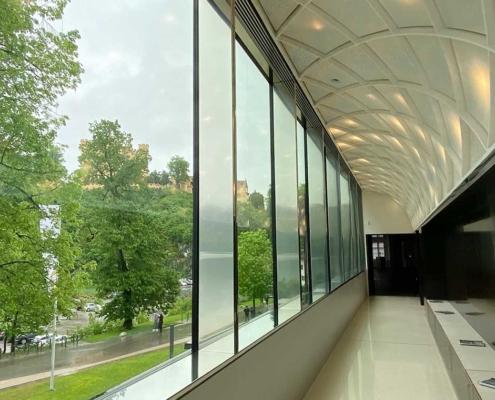 Museum der bayerischen Könige Panoramafenster mit Nlick auf Hohenschwangau